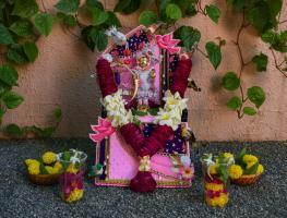 1 Tapuji Maharaj